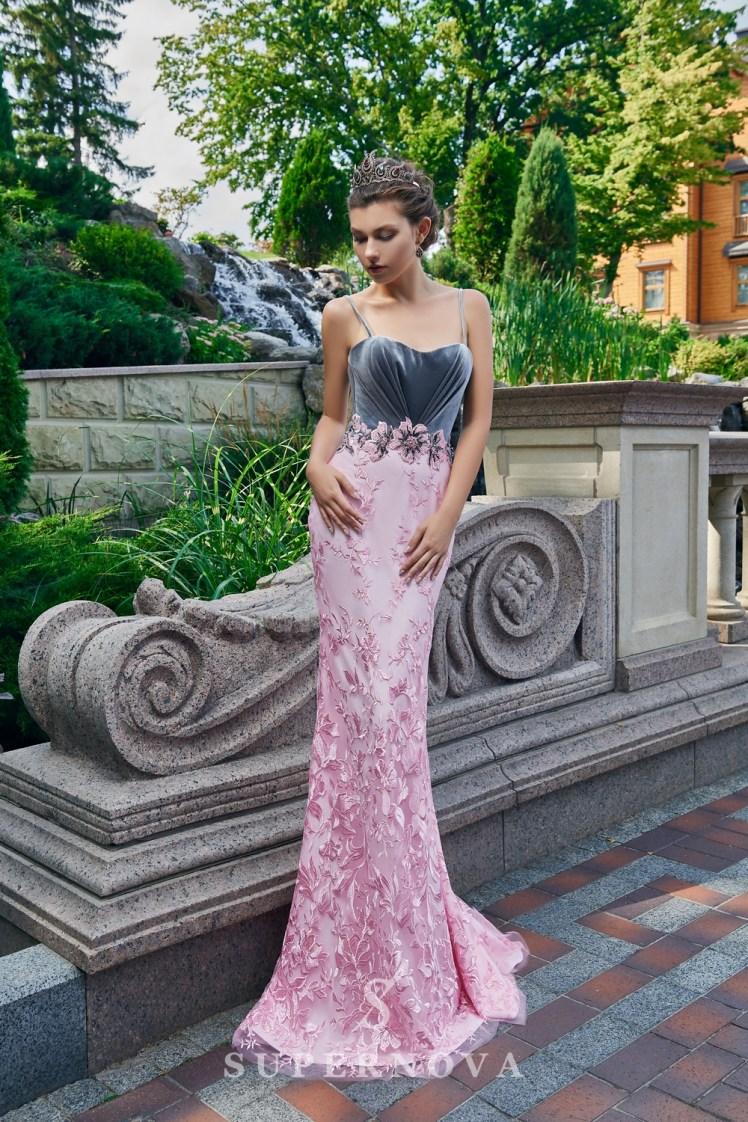 Вечернее платье с велюровым корсетом