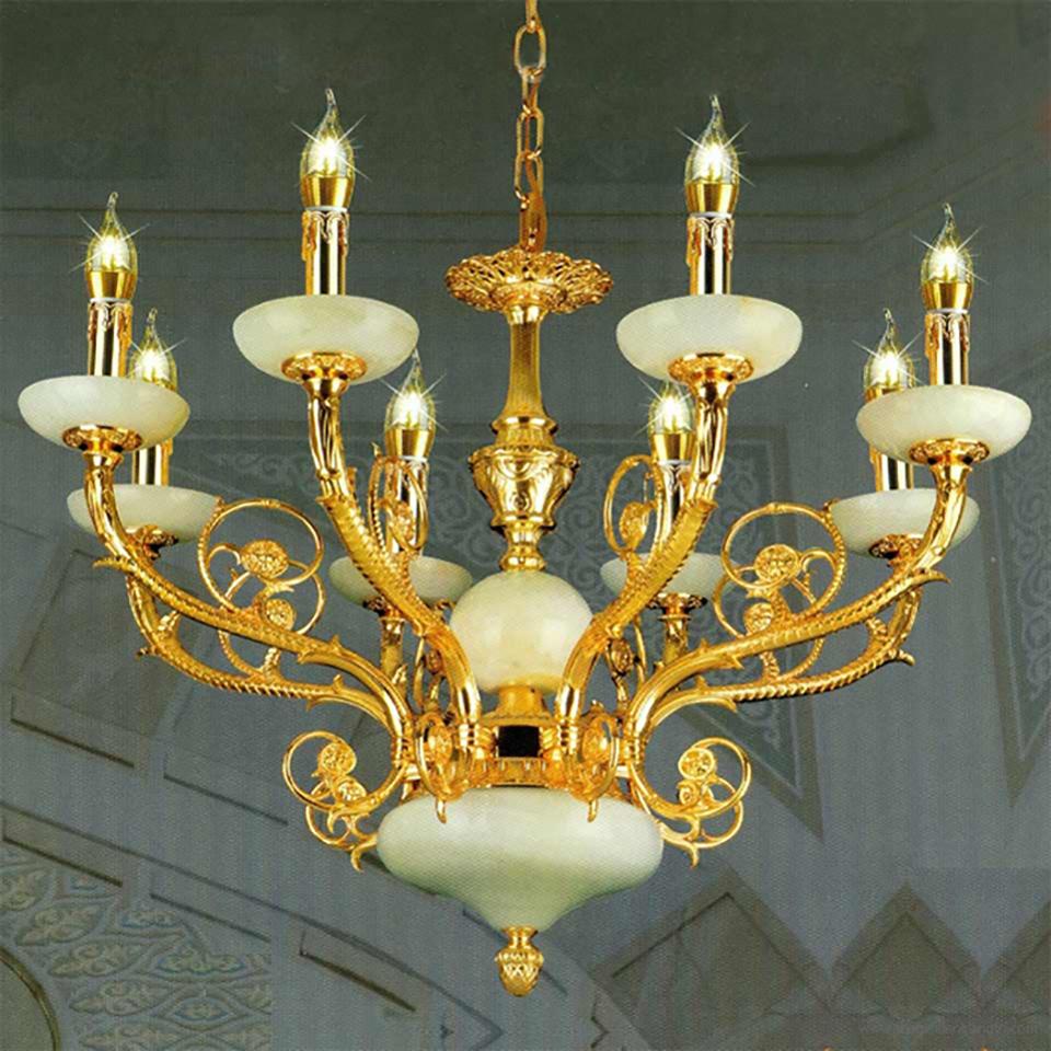 Mẫu đèn chùm đồng phù hợp cho những không gian sang trọng và đẳng cấp