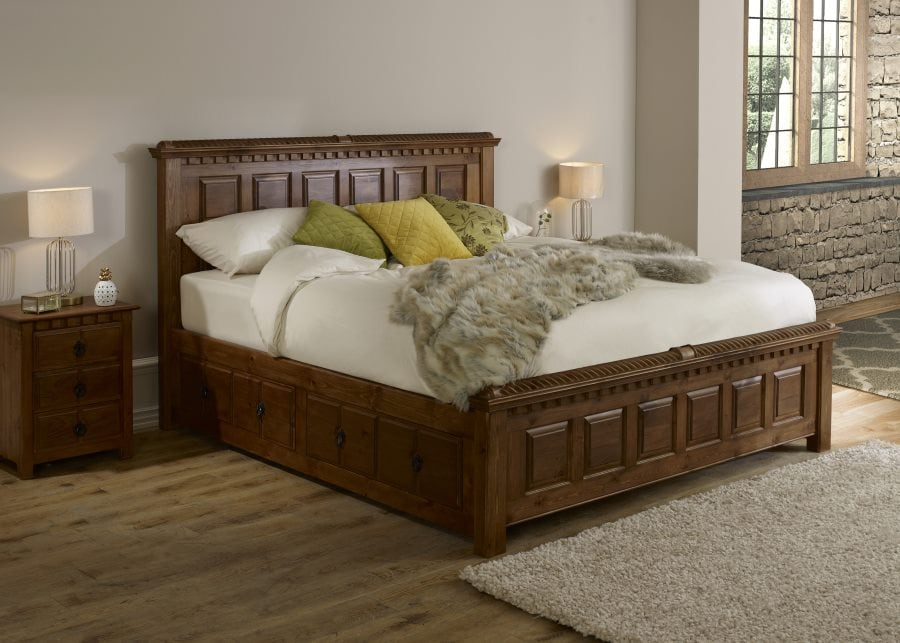 Traditional furniture County Kerry bed