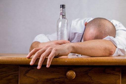alcohol-428392__340.jpg