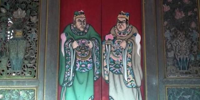 Lukisan di satu pintu Kelenteng ...