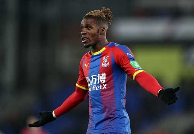 Everton have told Crystal Palace they are prepared to bid £60m + Tosun for Zaha - Bóng Đá