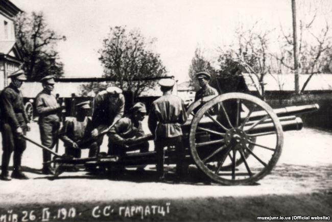 Гармата батареї Січових стрільців. 76-мм дивізіонна гармата зразка 1902 року. Київ, 26 квітня 1918 року
