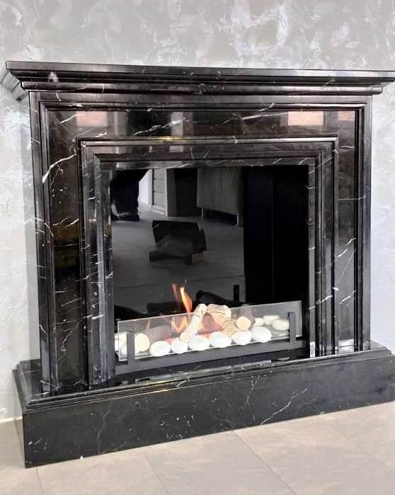 Декоративный камин Riva с живым огнем