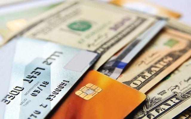 Khách hàng chỉ cần đem theo CMND, thẻ tín dụng đến văn phòng Rút Tiền Nhanh 24h tại Cần Giờ để hoàn thành xong thủ tục rút tiền
