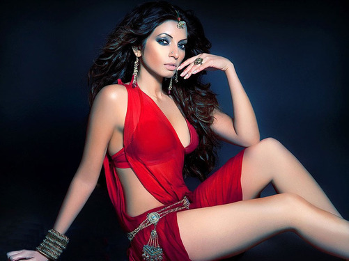 Shama Sikander : Sexaholic youtube short film