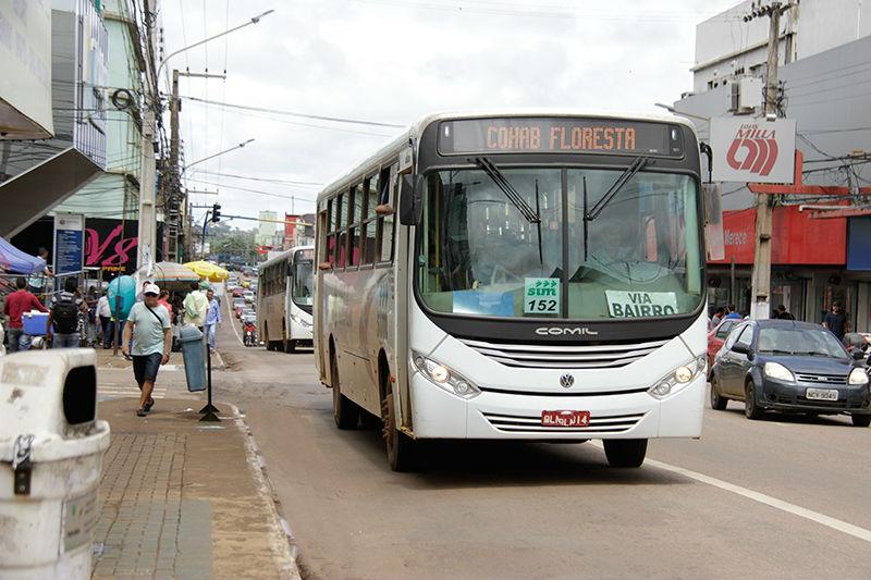 A cidade ficou cerca de sete dias sem transporte coletivo após o Consórcio Sim retirar os últimos dez ônibus que circulavam nas ruas.(SEMTRAN/Reprodução)