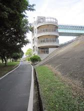 騰雲人行陸橋2