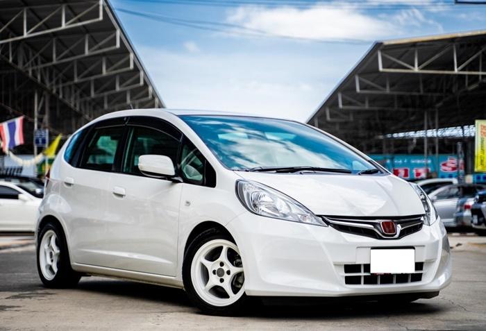 Honda Jazz GE แบบไมเนอร์เชนจ์ปี 2012