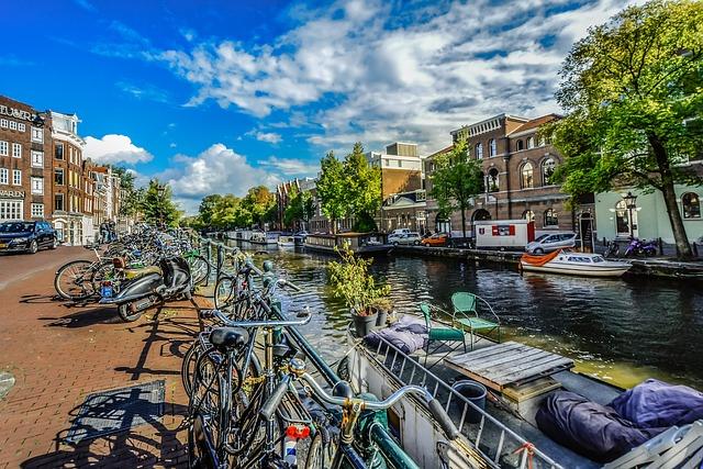 amsterdam-2482797_640.jpg