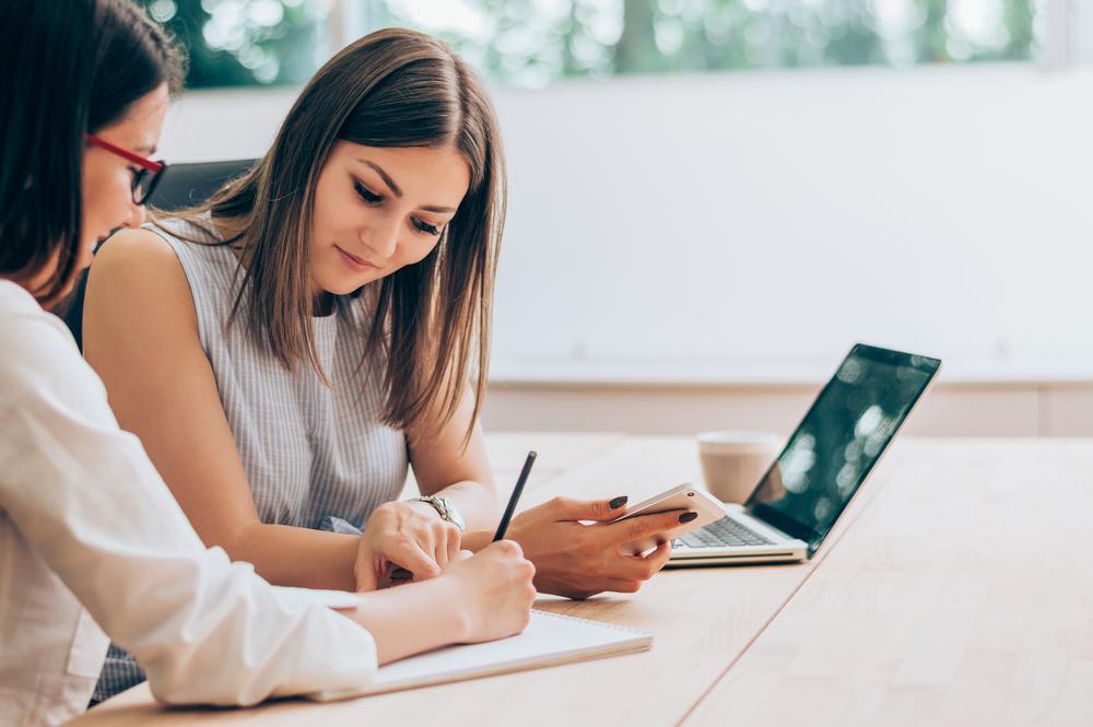 O mentor é um profissional que te inspira por meio da própria jornada. (Fonte: Shutterstock)