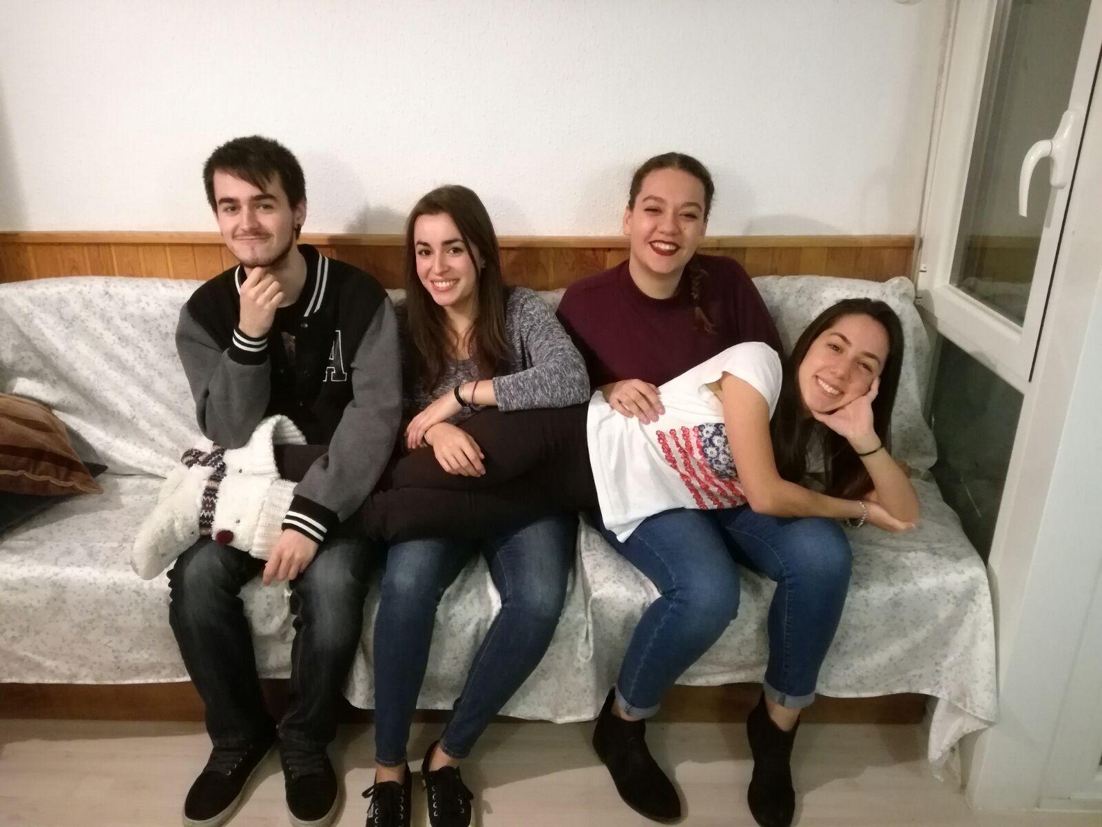 Adrián Marinero, Amalia González, Sara Bello and Ana López.
