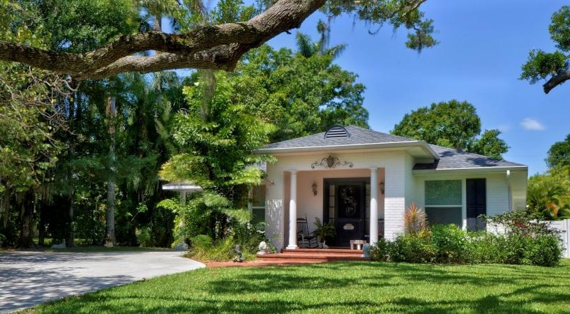 single-family home in Bradenton, FL
