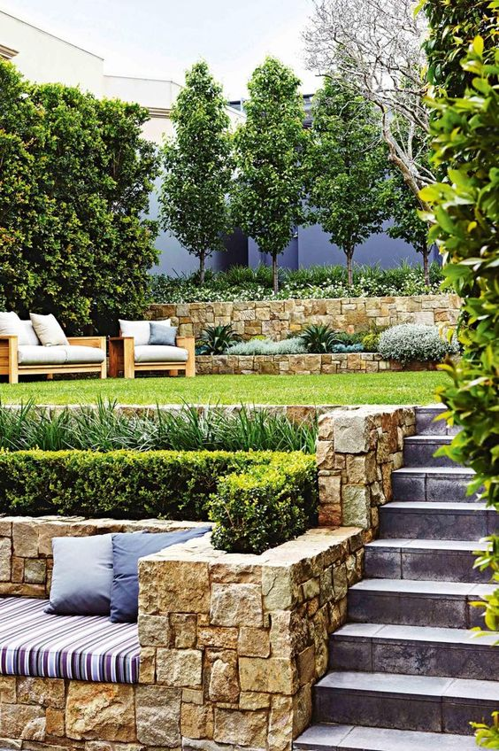 طراحی فضای سبز و محوطه سازی در رشت