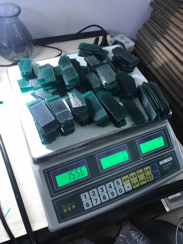 Hydrothermal-Lab-Emerald-Green-gemstones-rough-supplier