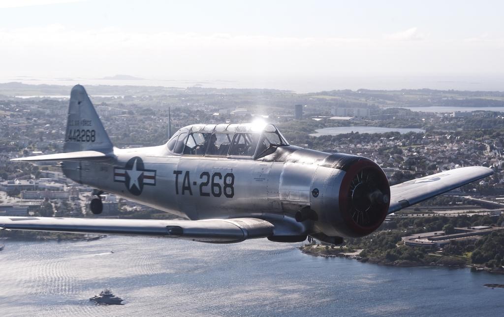 T-6 Harvard LN-TEX (foto Lars Brede Grøhndal)