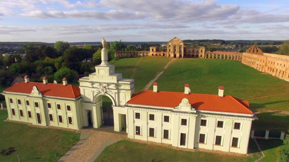 Достопримечательности Беларуси: Дворцовый комплекс Сапег
