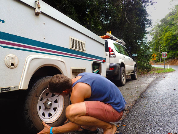 Changing-the-caravan-tyre-EDIT.jpg