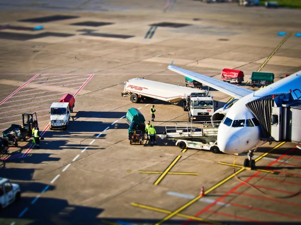 Para una mayor fiabilidad, puede imaginarse a sí mismo en el aeropuerto. Por ejemplo, aquí en Hamburgo.