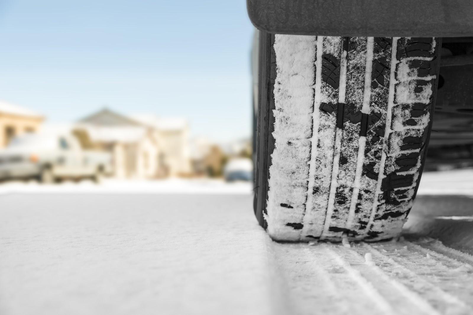 jazda samochodem 4x4 w zimie