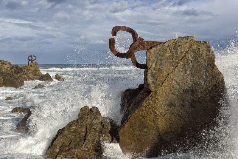 Peine del Viento, uno de los lugares que ver en San Sebastián