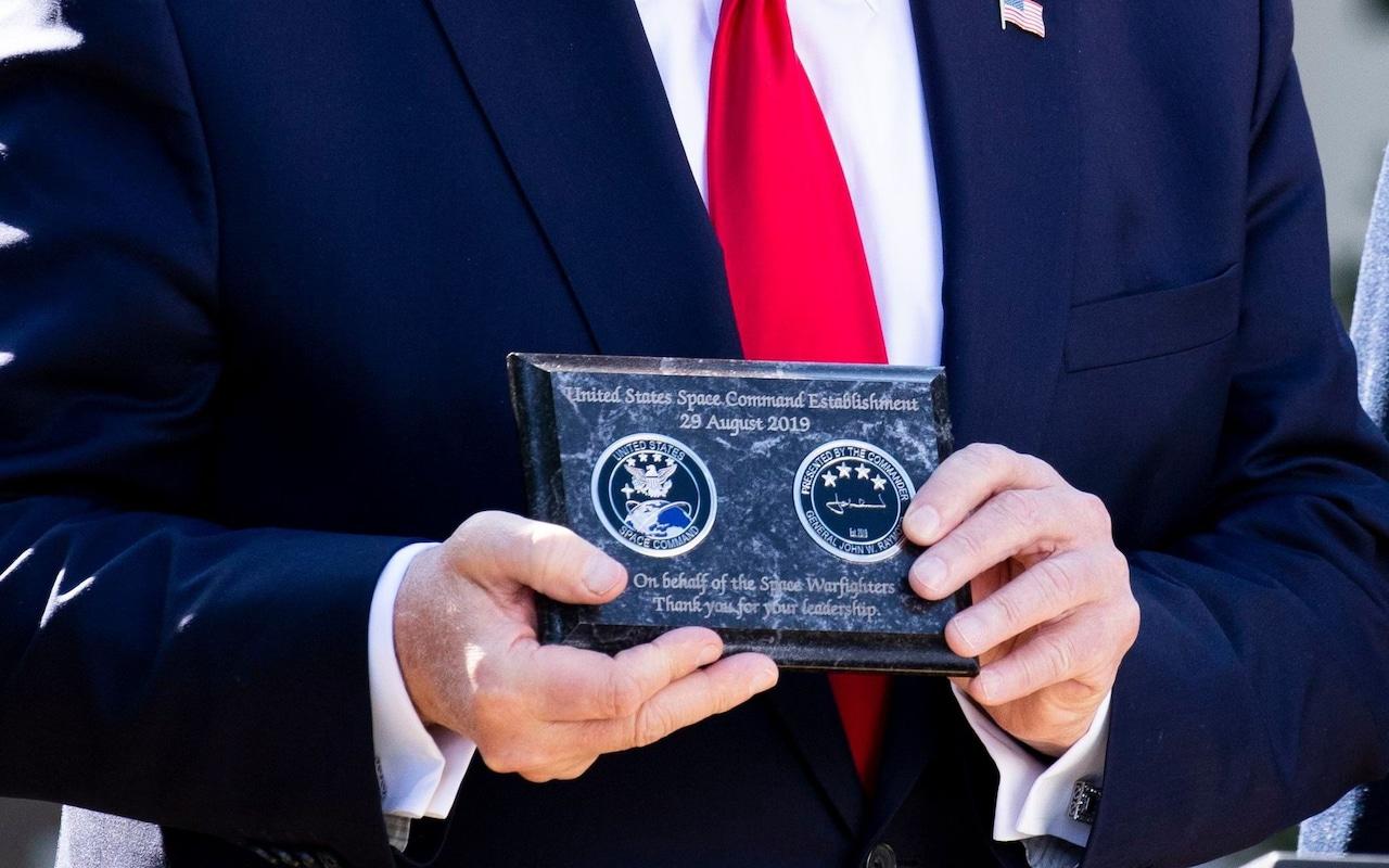 ¡COMANDO DE GUERRA ESPACIAL AUTORIZADO! Trump autoriza creación del primer comando de guerra espacial