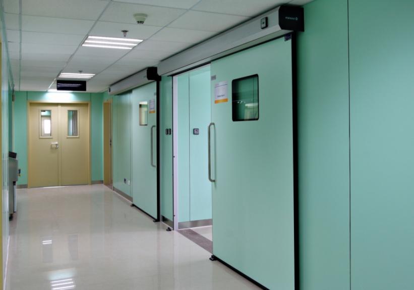 Cách tìm đơn vị lắp đặt cửa tự động bệnh viện uy tín