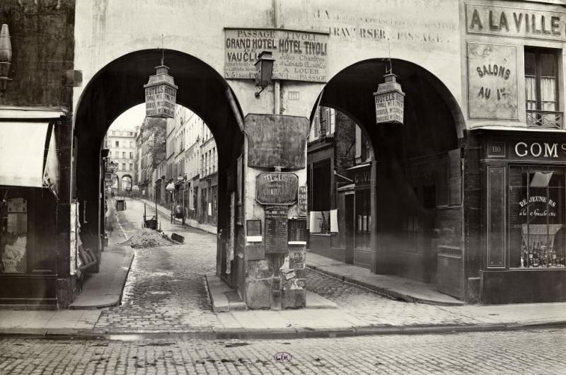 Улица Святого Лазаря и пассаж Тиволи, 1866. Фото - Charles Marville