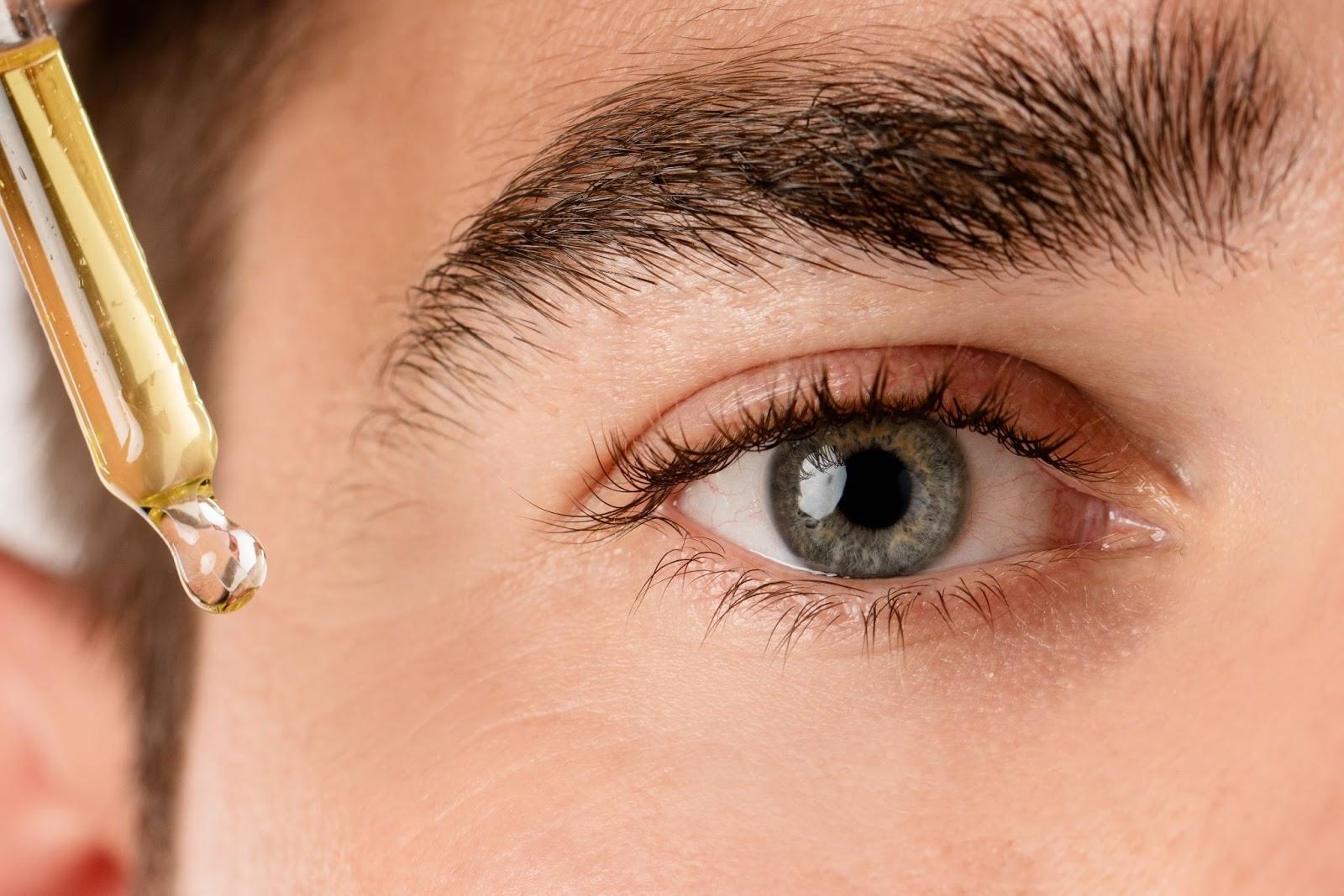 How do eyelash serum works?