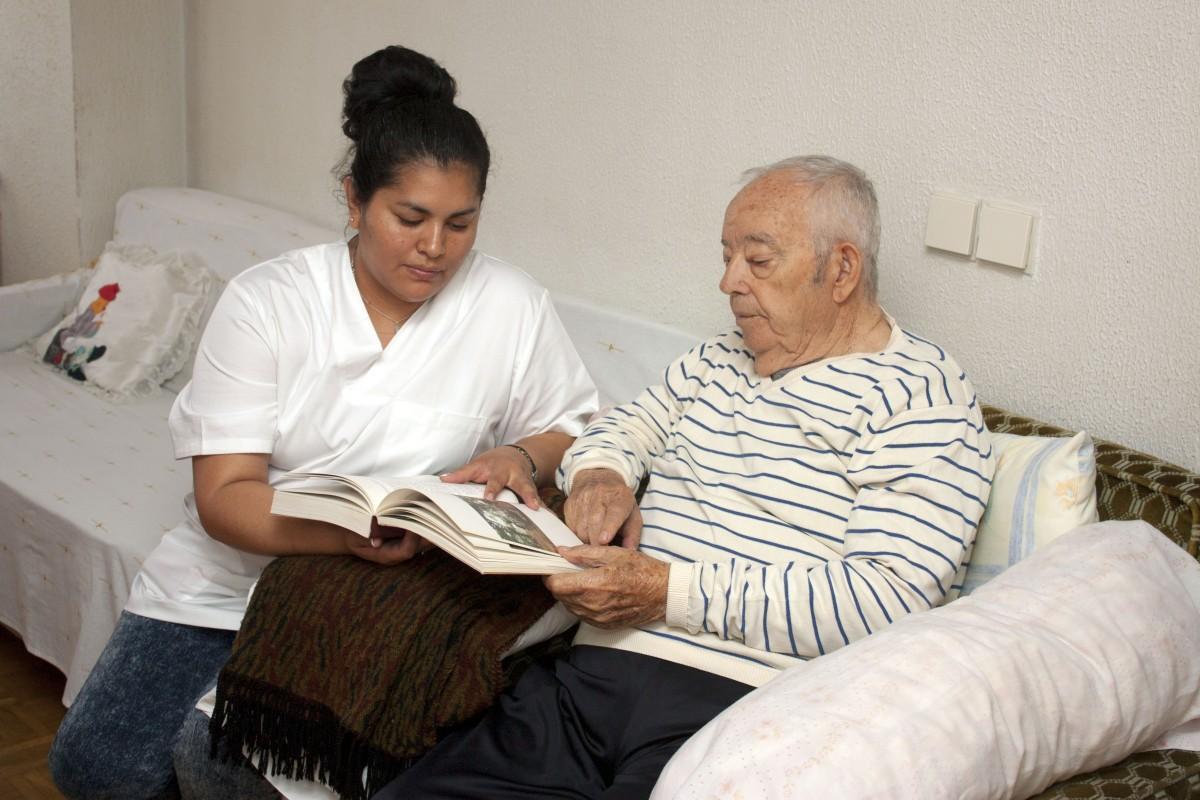 Công việc của điều dưỡng viên tại Đức chủ yếu là hỗ trợ người cao tuổi
