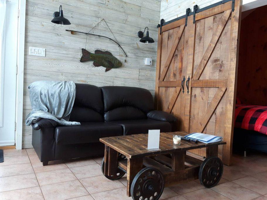 Cottages for rent in the Laurentians of Quebec on WeChalet #5