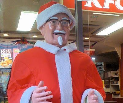 https://1.bp.blogspot.com/-UEkkuXT79UA/XDJZCEXmilI/AAAAAAAAHqQ/gGD-4WPkcpQ5IdwEVCXau1DRDuiAuspEwCEwYBhgL/s400/L2F-Dec-16-pic-Japan-Christmas-Saunders-Claus-Flickr.jpg