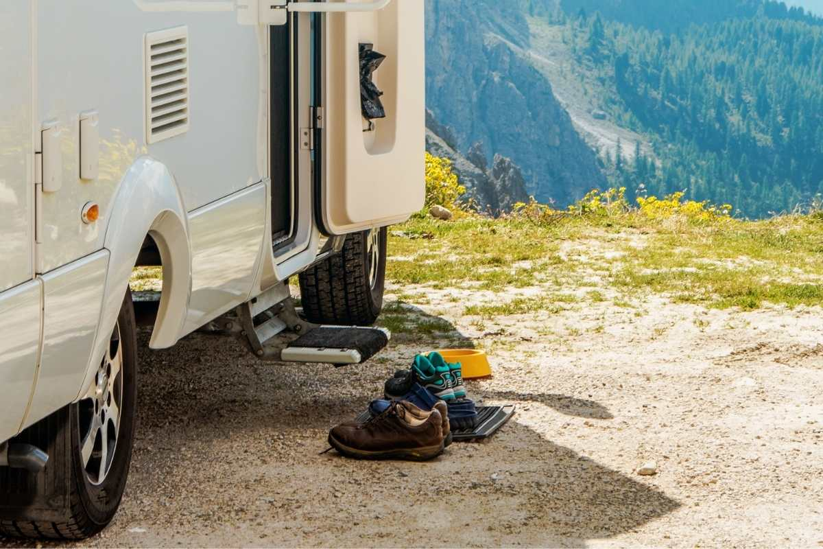 rv step covers to keep campers clean