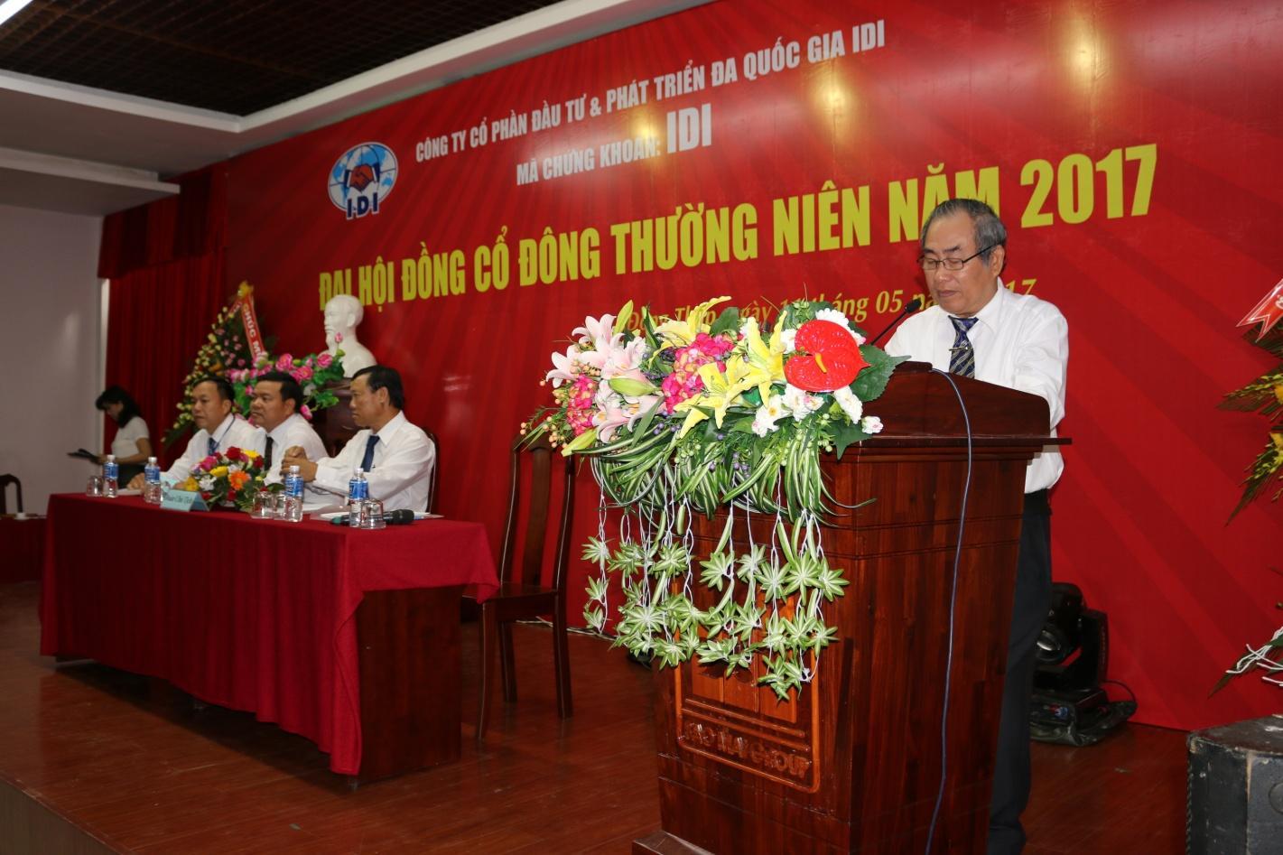 1. Ông Nguyễn Văn Hung - Phó Chủ tịch HĐQT Tập đoàn Sao Mai đọc diễn văn khai mạc phiên họp.JPG