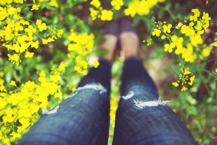 artículo woman-legs-flowers-summer