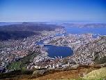 Вид на город с вершины горы Флёйен