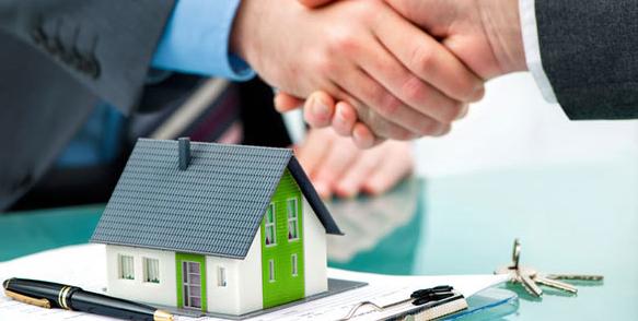 Tỏ thái độ vui vẻ và khéo léo khi mua nhà đất