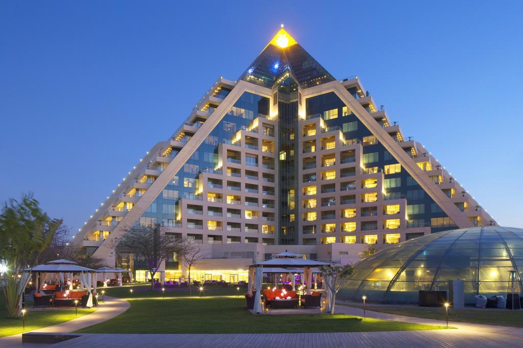 Hotel Raffles Dubai, UAE - Booking.com