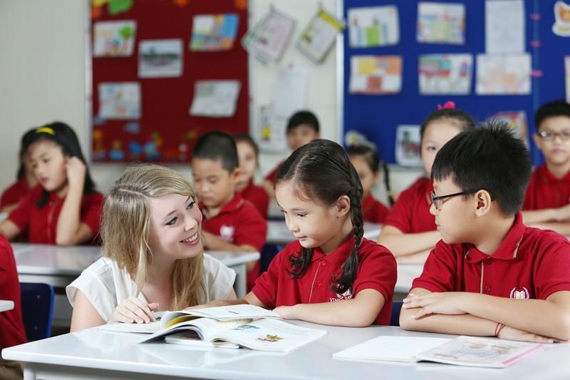 Chọn trường cho con: quốc tế hay công lập?
