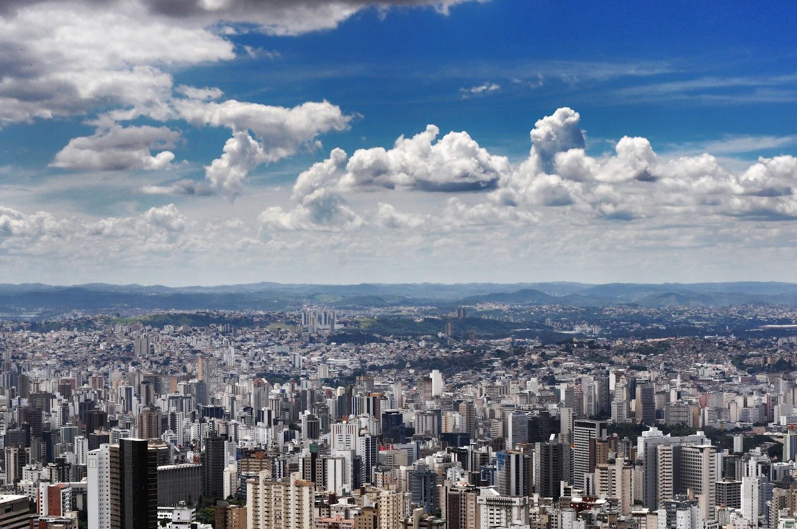 O que é melhor: comprar vários imóveis em um mesmo prédio ou imóveis em diferentes lugares? Photo by gui-madaleno on Flickr