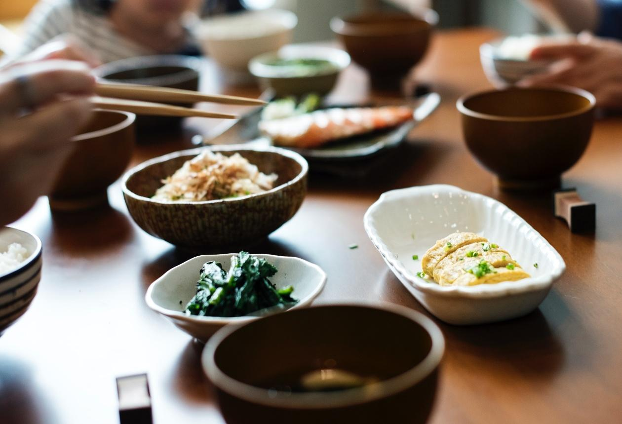 D:\KULINA\pict kulina\asian-food-bowls-chopsticks-745406.jpg
