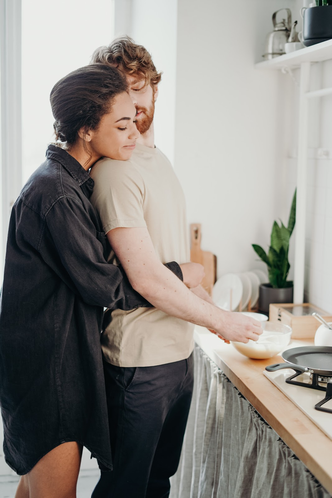couples_indulging_in_gender-neutral_chores_have_happy_sex_lives