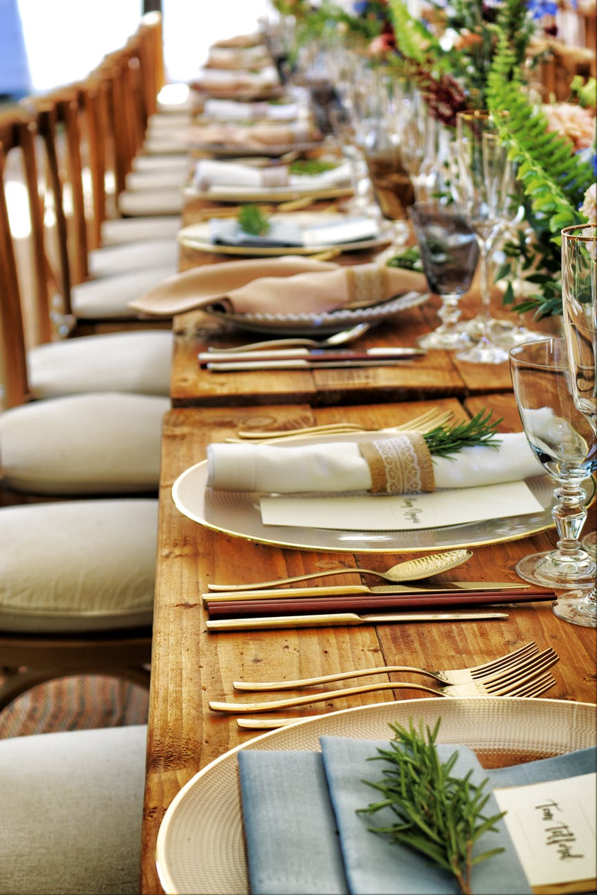 4 Tips for Hosting a Dinner Party