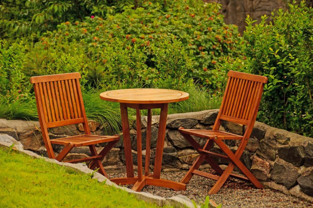 http://streaming.yayimages.com/images/photographer/gry-thunes/9a756696c767a339fccdf189ef36a2f4/hardwood-garden-furniture.jpg