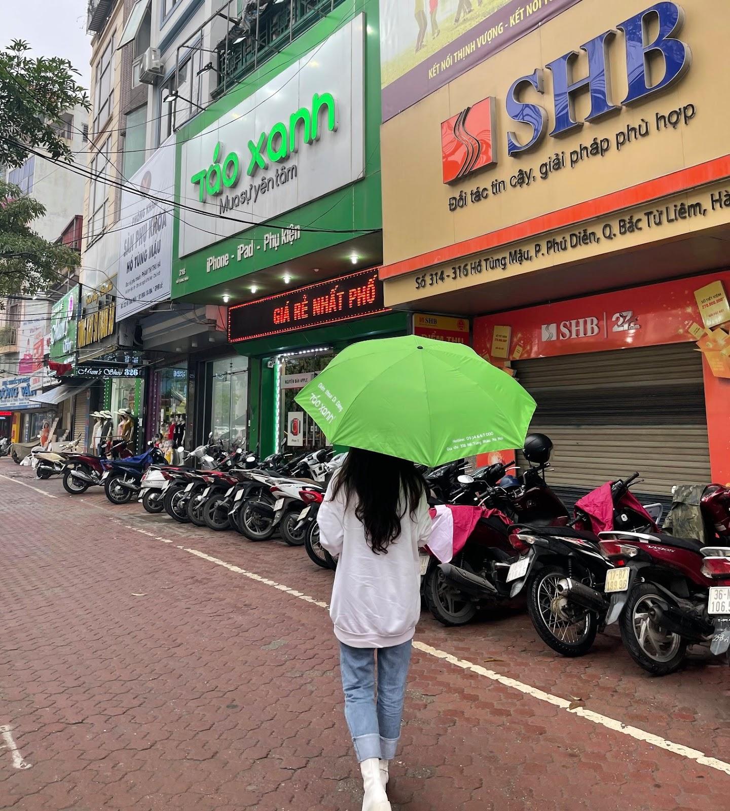 Táo Xanh hiện là một trong những cửa hàng điện thoại được ưa chuộng hàng đầu tại Hà Nội