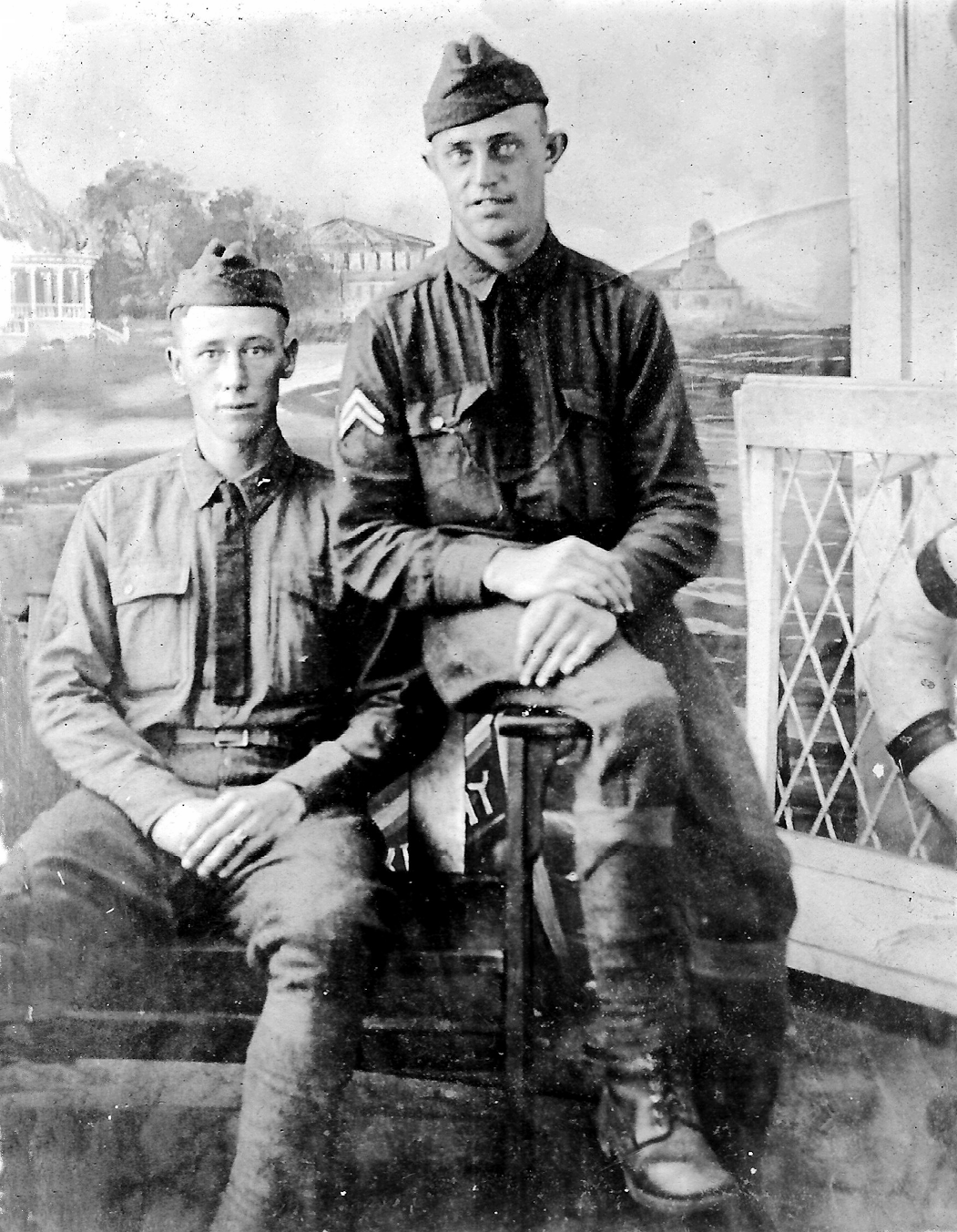 Clyde Cox and WT Vaughn US Army_sml .png