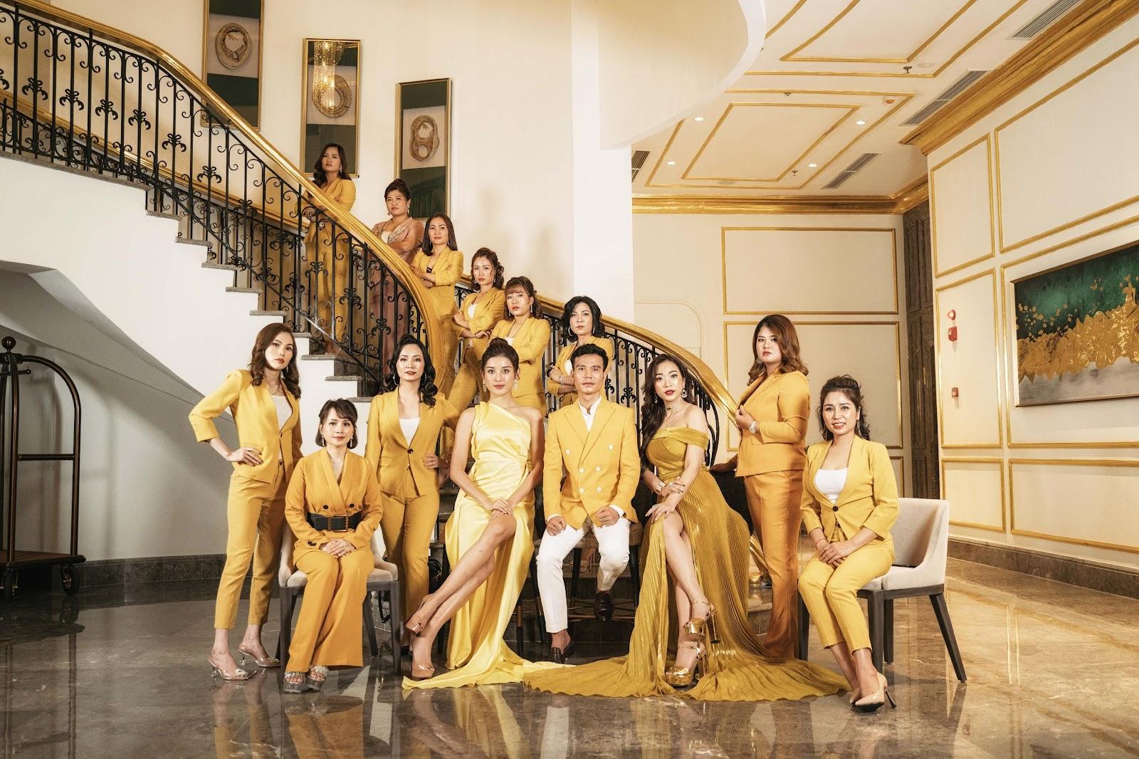 Á hậu Huyền My và dàn thủ lĩnh của Linh Nham Group - Ảnh 5