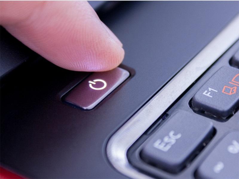 Tắt máy tính ngay sau khi không sử dụng