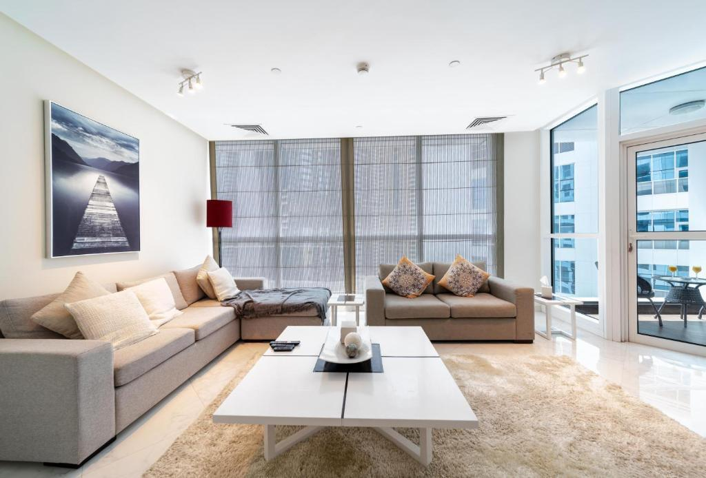 Hometown Apartments - Luxury and Spacious 3 bedroom apartment in Marina,  Dubai – Updated 2021 Prices
