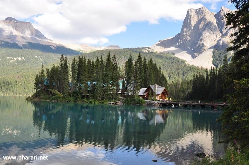 Lodges along Emerald Lake